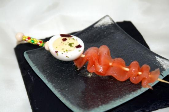 Mini brochette Oeuf de caille et saumon fumé