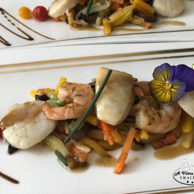 St Jacques & Gambas sur légumes au Wok