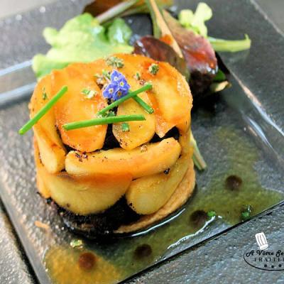 Tatin de boudin aux pommes et foie gras